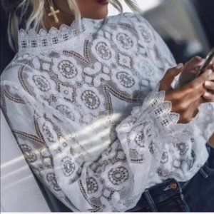 ENGLISH LACE Boho Top